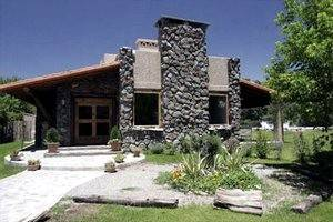 Lares de Chacras is a boutique hotel founded by the Day family
